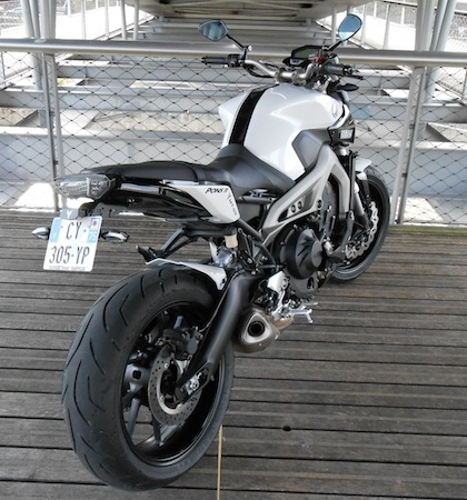 Yamaha MT-09 White & Black by Pons