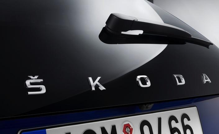 La Scala sera le premier modèle en Europe doté de la nouvelle inscription de Skoda à l'arrière, remplaçant le logo.
