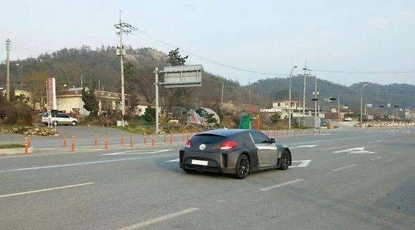Surprise : un Hyundai Veloster à moteur central arrière se promène