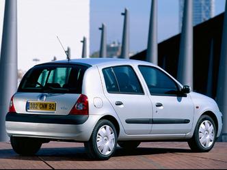 L'arrière de la Clio 2 phase 2 après restylage (5 portes)