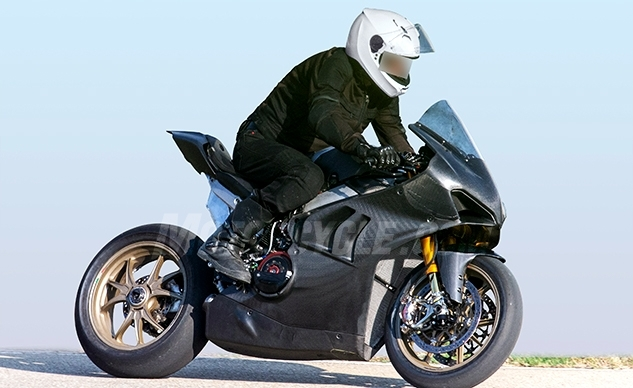 nouveaut 2019 la ducati panigale v4 r se fait photographier. Black Bedroom Furniture Sets. Home Design Ideas