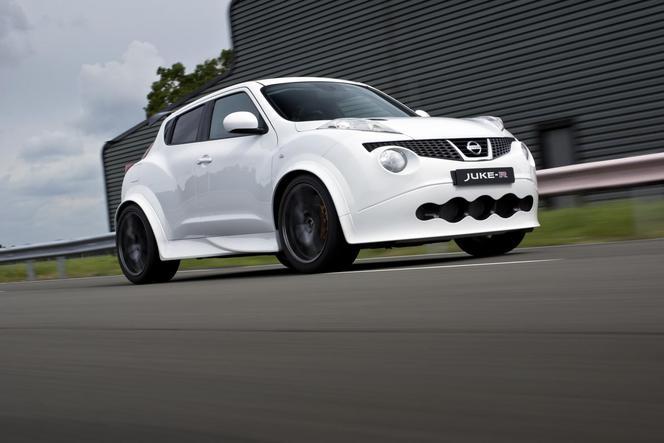 (Vidéo) Le premier Nissan Juke R livré