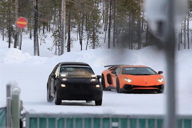 Surprise : le crossover Seat Arona en classe de neige