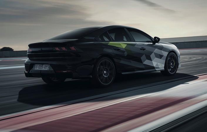 S1-peugeot-508-pse-la-sportive-hybride-se-montre-sur-circuit-623108