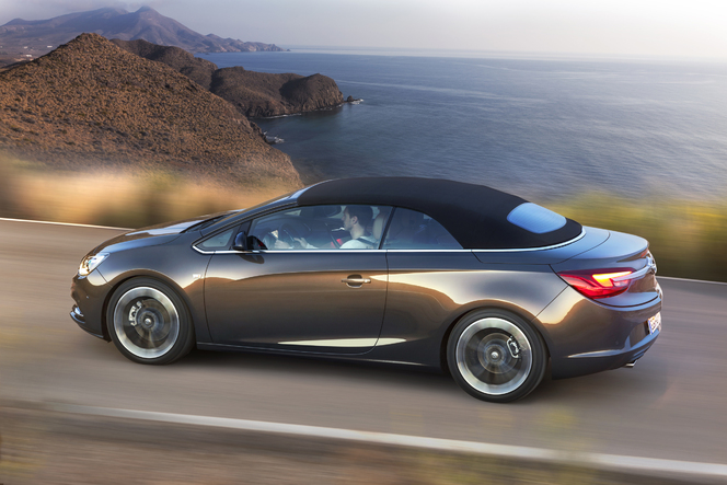 Nouvelle Opel Cascada: officielle!