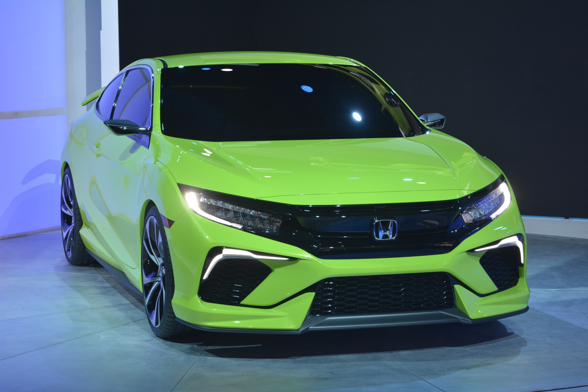 [Image: S0-Salon-de-New-York-Honda-Civic-Concept...349994.jpg]