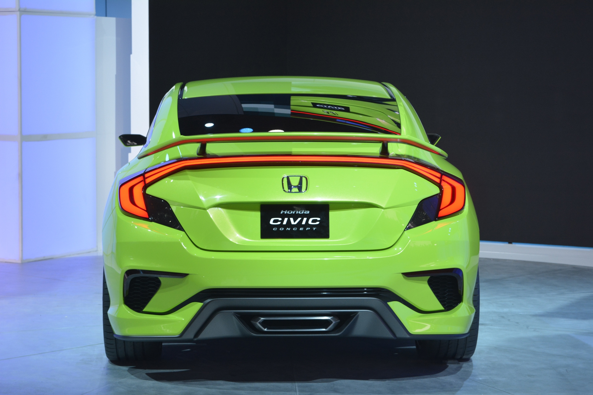 [Image: S0-Salon-de-New-York-Honda-Civic-Concept...349997.jpg]