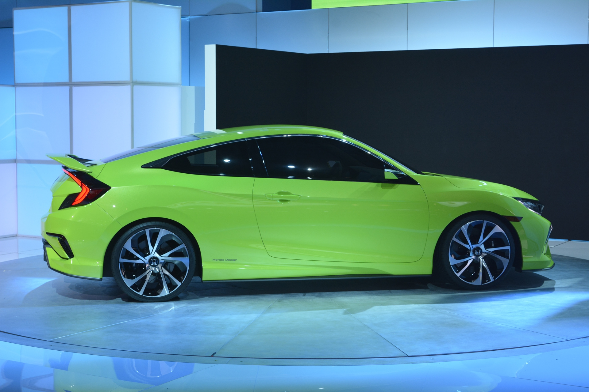 [Image: S0-Salon-de-New-York-Honda-Civic-Concept...349998.jpg]