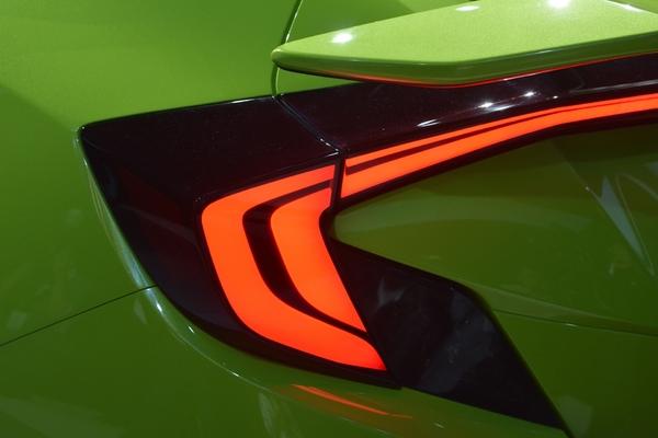 S7-Salon-de-New-York-Honda-Civic-Concept-la-10e-generation-arrive-350000