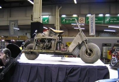 """Les motos de Rétromobile 2008 : """"La moto dans tous ses états"""" : Les Guerrières."""