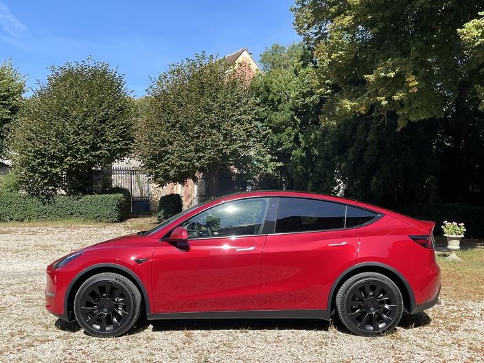"""Tesla Model S, 3, X, Y… It feels """"sexy"""".  A random ?  I do not think so."""