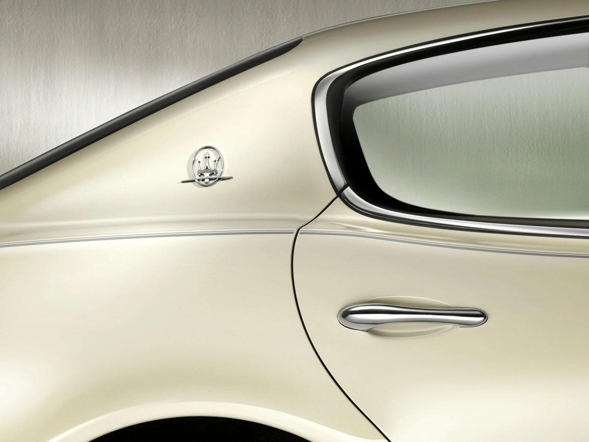 S0-Detroit-2008-Maserati-Quattroporte-Collezione-Cento-l-hypraluxe-limite-93794
