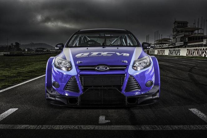Une Ford Focus V8 de 500 ch, c'est possible... enfin presque...