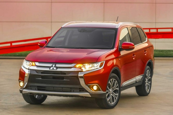 Salon de New York : le Mitsubishi Outlander restylé
