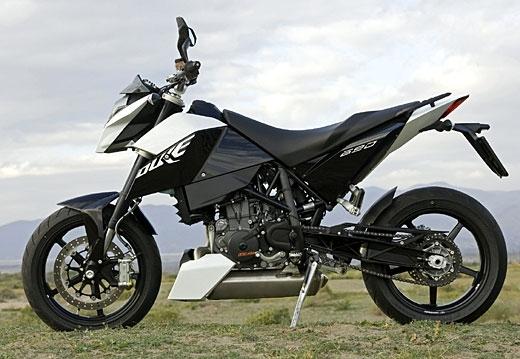 KTM : Duke 690