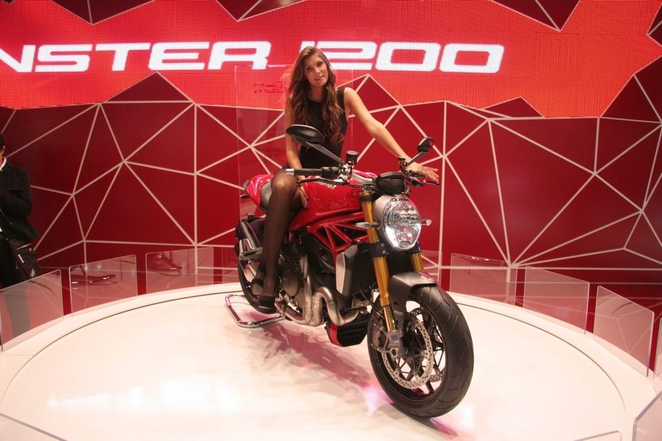 Salon de Milan en direct:  Ducati Monster 1200, nouveau et plus... Brutale ?
