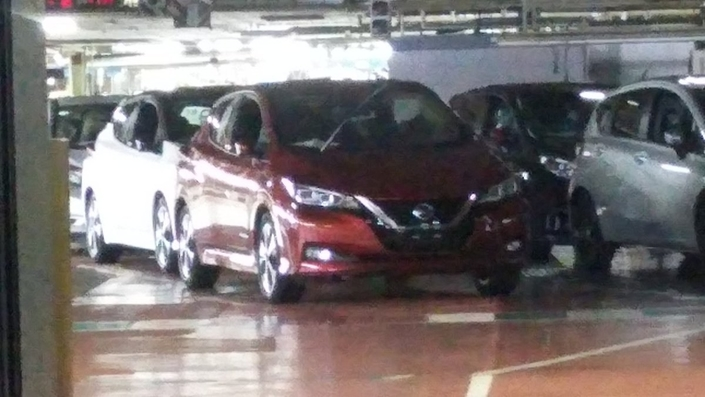 Scoop : la future Nissan Leaf totalement nue dans son usine