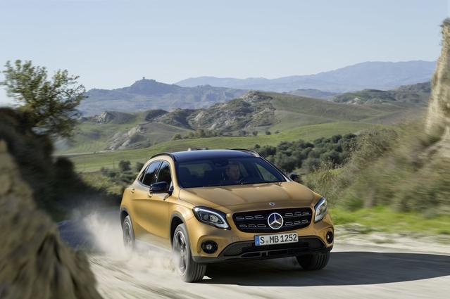 Salon de Detroit 2017 - Mercedes GLA restylé: un peu plus SUV
