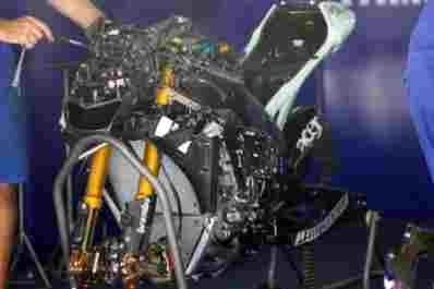 "Moto GP - Yamaha: ""Cinq canassons de mieux"""