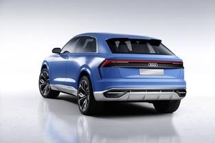 Les feux ne sont pas sans évoquer le Lamborghini Urus. Audi multiplie encore les clins d'œil à l'Ur-quattro.