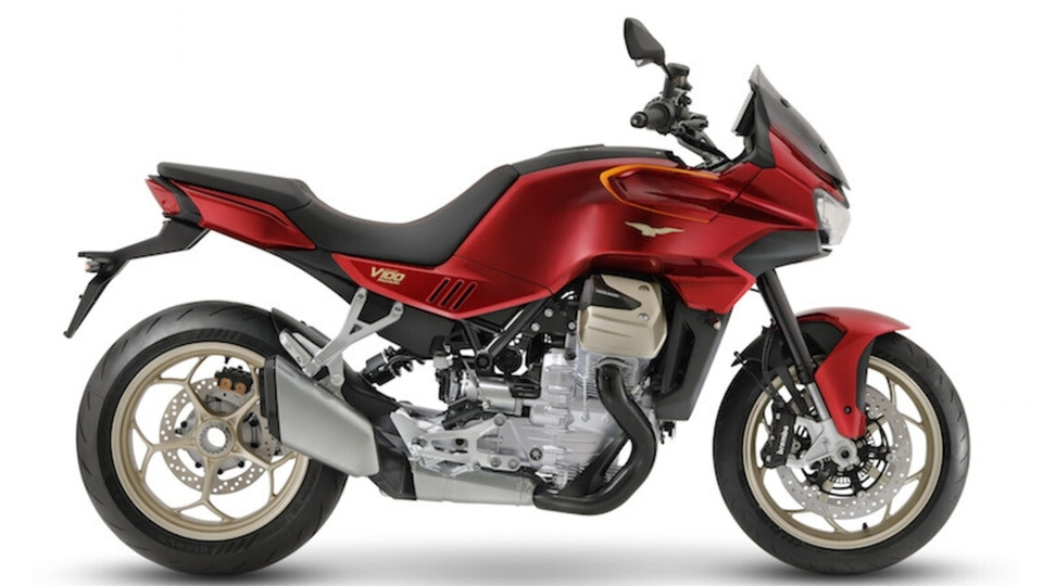 Moto Guzzi V100 : voici les premières images officielles du nouveau sport tourer italien