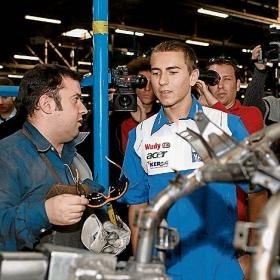 Moto GP - Yamaha: Lorenzo en visite