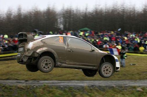 WRC : Mikkelsen prend des leçons de pilotage