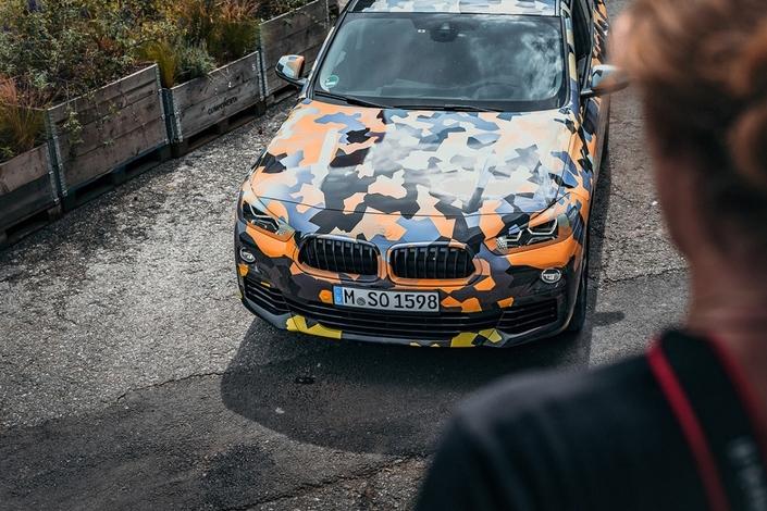 BMW X2: les photos officielles… d'un exemplaire camouflé
