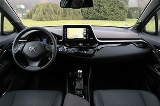 Comparatif vidéo - Kia Niro vs Toyota C-HR : les petits nouveaux