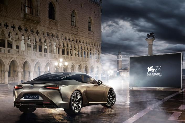 Mostra de Venise: Renault remplacé par Lexus