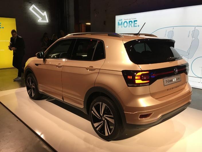 Volkswagen T-Cross : le petit dernier - Vidéo en direct du salon de Genève 2019