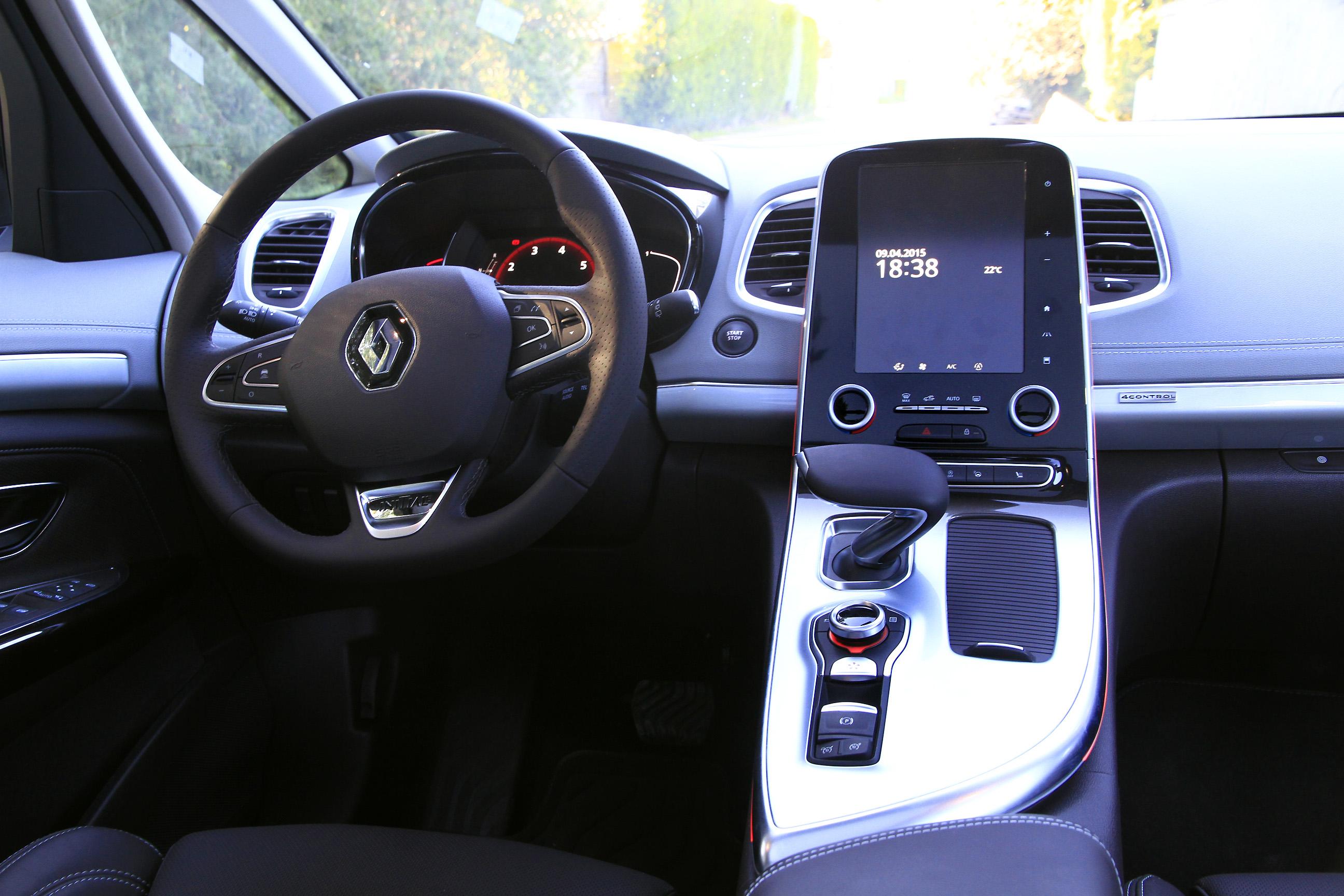 Essai renault espace tce 200 edc le haut de la gamme for Renault gamme t interieur