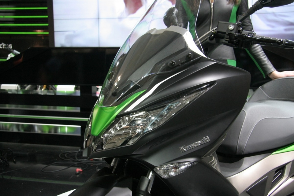 Le salon de Milan en direct : Kawasaki J300