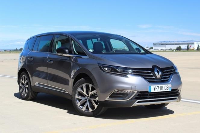 Le Renault Espace arrive en concession : un bon début