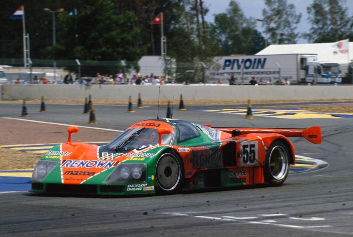 La Mazda 787B a quattro ruote ha vinto la 24 Ore di Le Mans del 1991, dimostrando le prestazioni di Wankel.  Chi sarà bannato in questa gara?