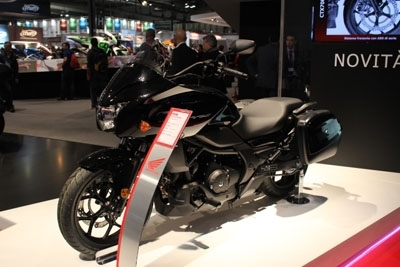 En direct du salon de Milan 2013 : Honda CTX 700