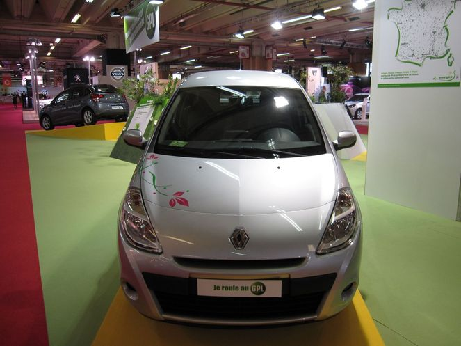 renault clio iii expression clim 1 2 16v 75 gpl eco2 mars 2010. Black Bedroom Furniture Sets. Home Design Ideas