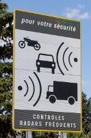Les nouveaux panneaux annonceur de RADAR S1-le-panneau-pour-annoncer-les-radars-fixes-change-de-look-394111