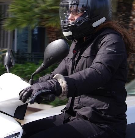 Essai Tucano Urbano Dora AB: une veste deux-roues qui n'en a pas l'air