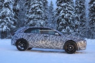 Surprise : la future Mercedes GLA pour la première fois sur la route
