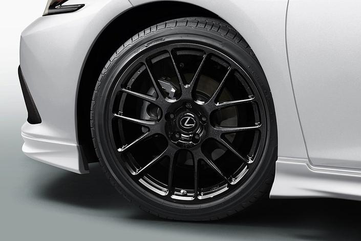 La nouvelle Lexus ES adopte le traitement sportif TRD