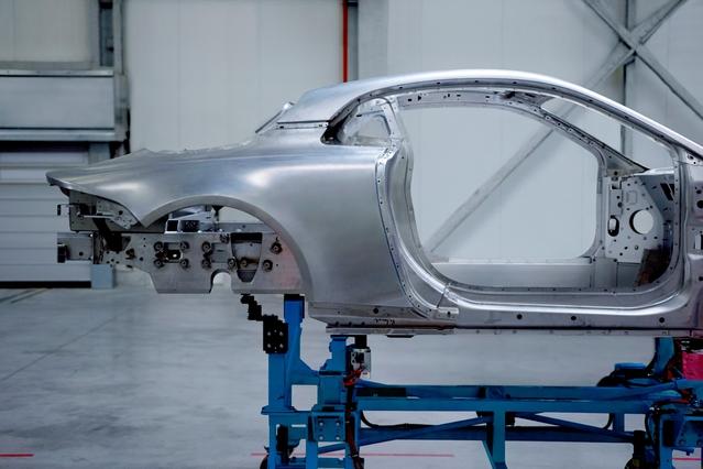 Nouvelle Alpine: plate-forme et carrosserie en aluminium