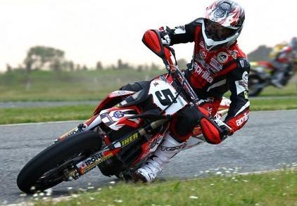 Supermotard - Championnat d'Italie 2011: Adrien Chareyre à 0,6 seconde du vainqueur...