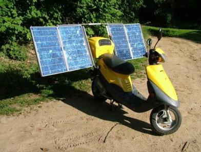 Des panneaux solaires qui rechargent véhicules et scooters !