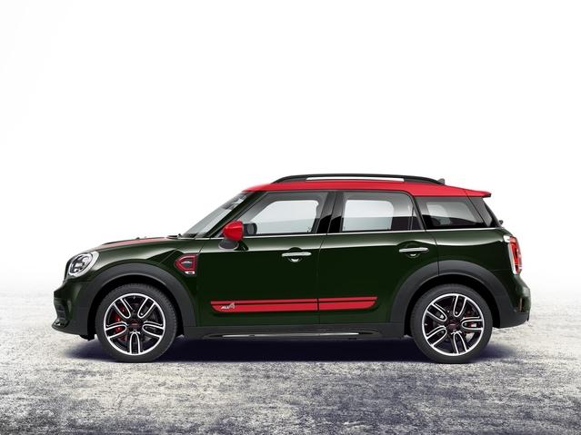 Les Mini ne portent plus très bien leur nom! Le Countryman seconde génération mesure 4,30 mètres de longueur, soit seulement 8cm de moins qu'un Nissan Qashqai.