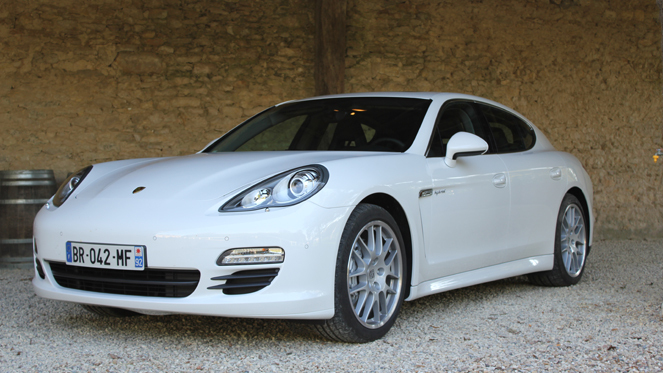 essai vid o porsche panamera hybrid l 39 hybride selon porsche. Black Bedroom Furniture Sets. Home Design Ideas
