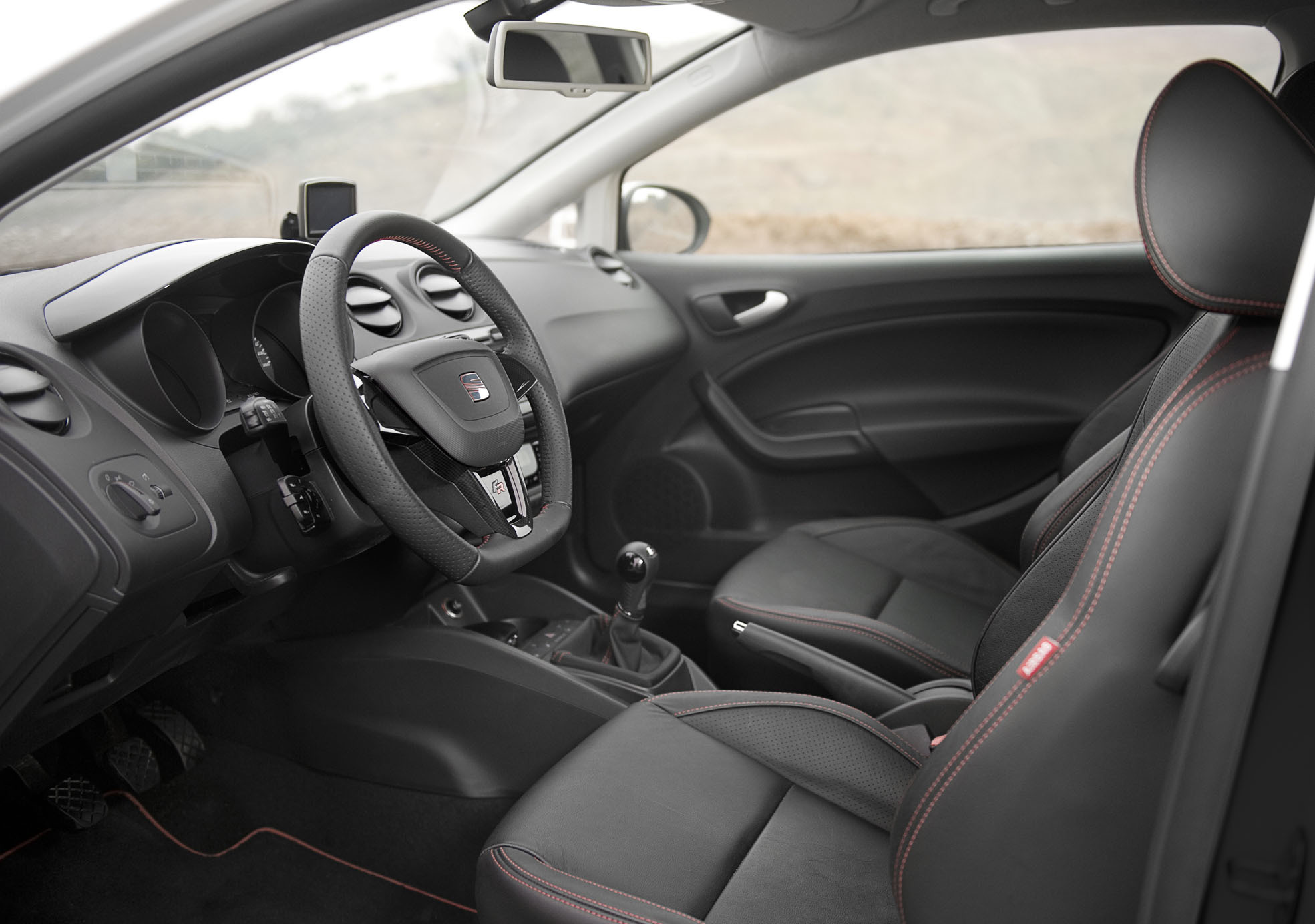 seat ibiza sc 1 4 tsi 150 fr dsg. Black Bedroom Furniture Sets. Home Design Ideas
