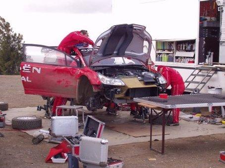 WRC : Loeb et Sordo ont testé la terre... Et Loeb en a même goûté [+vidéo]