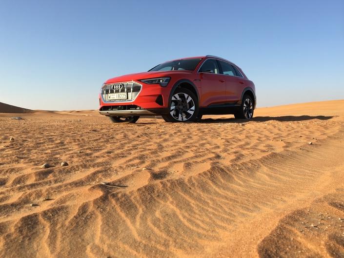 Essai – Audi e-tron: le premier vrai concurrent de Tesla?