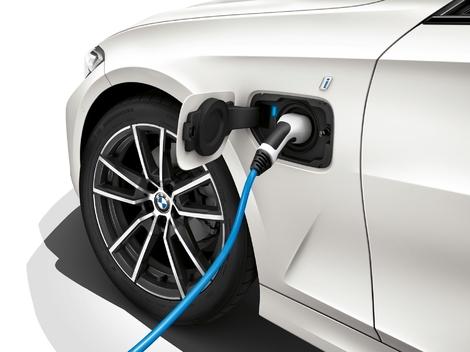 L'hybride rechargeable BMW 330e confirmée pour fin 2019